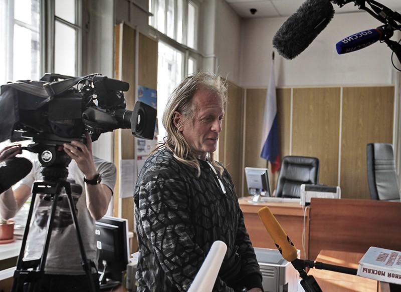 Певец и композитор Крис Кельми