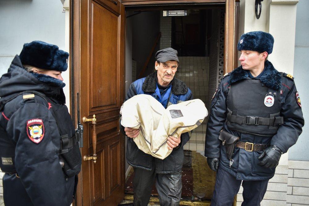 Полиция на месте пожара в доме на Никитском бульваре