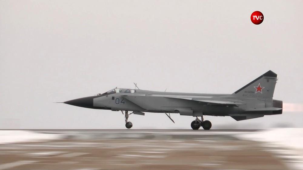 Истребитель ВКС России МиГ-31