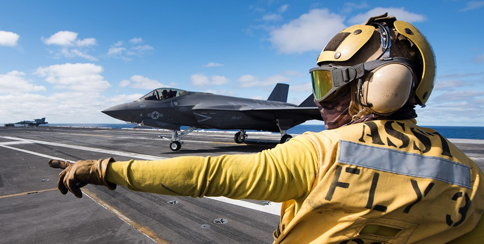 Авианосец ВМС США