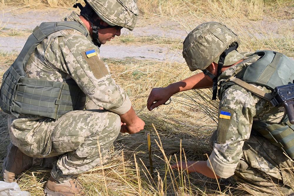"""""""Решили поиграть"""": пьяные украинские военные разбомбили свой склад"""