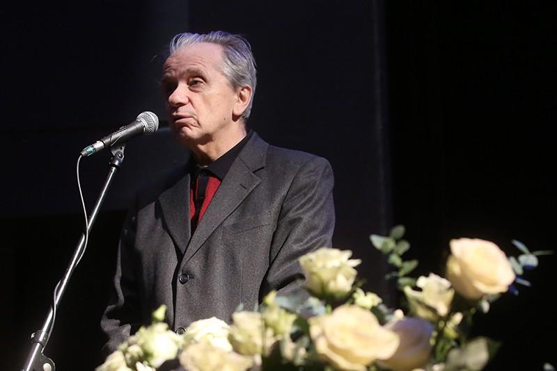 Актер Евгений Стеблов на церемонии прощания с актером Сергеем Юрским