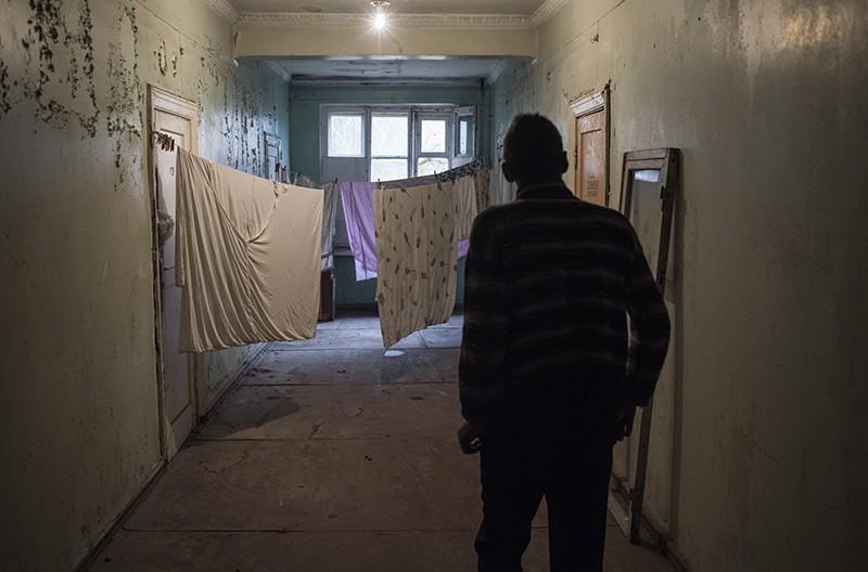 Переселенцы с Донбасса пожаловались на унижения Киева
