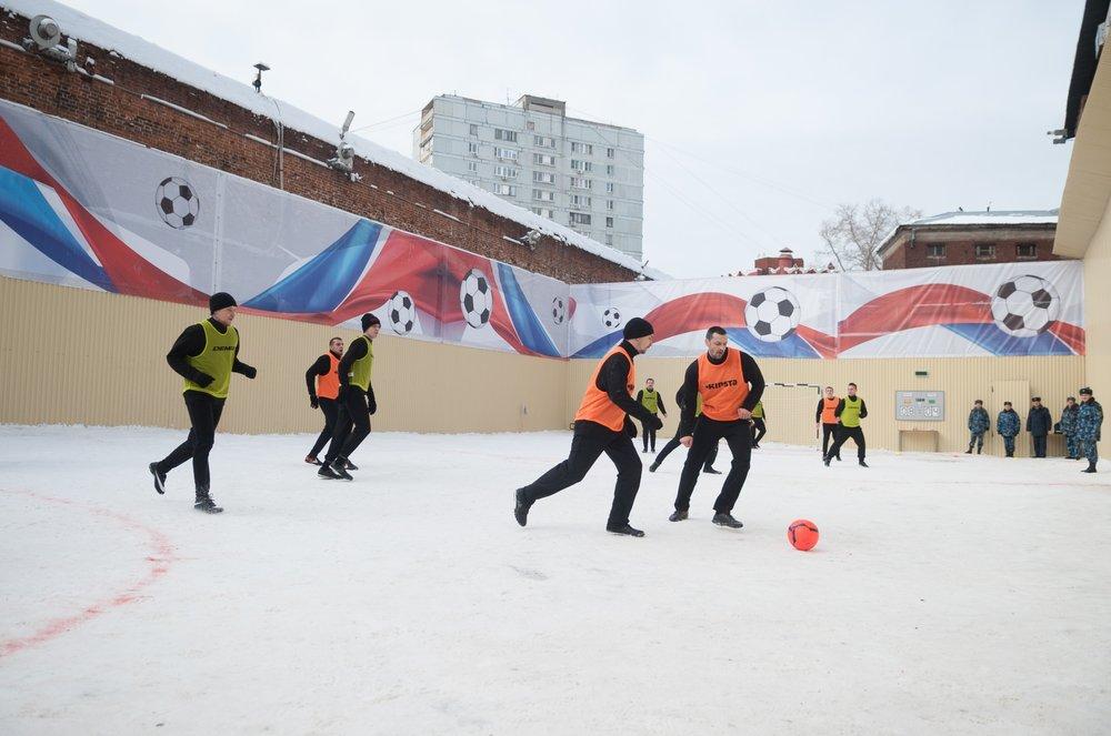 Погонявший мяч в СИЗО Мамаев попал на видео