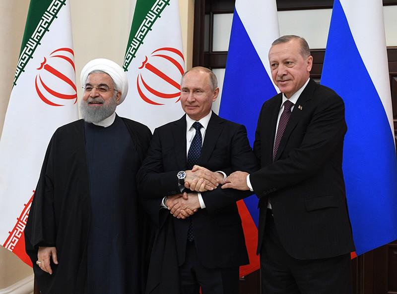 Президент России Владимир Путин, президент Турции Реджеп Тайип Эрдоган и президент Ирана Хасан Рухани
