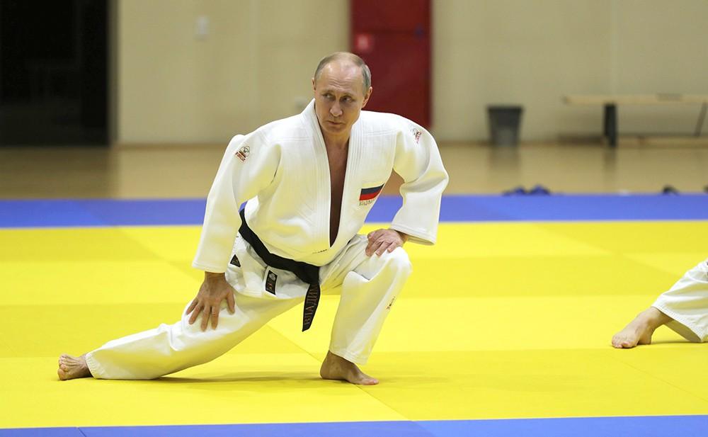Владимир Путин на тренировке сборной России по дзюдо