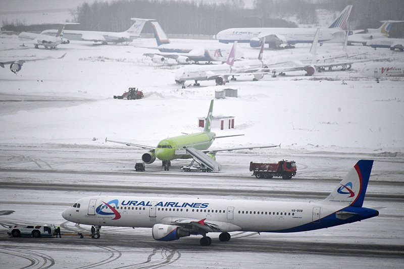 Снегопад в аэропорте