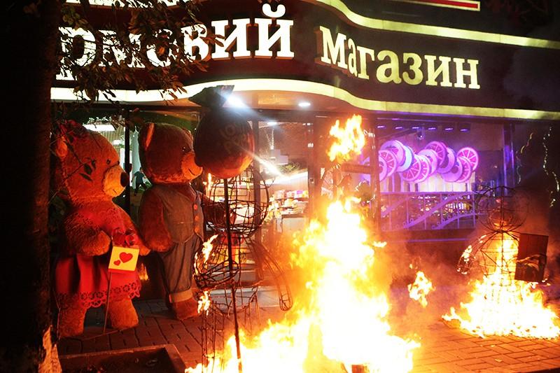 В Киеве загорелся магазин Roshen