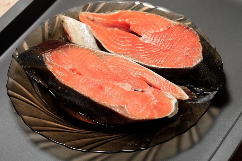 Стейки из красной рыбы