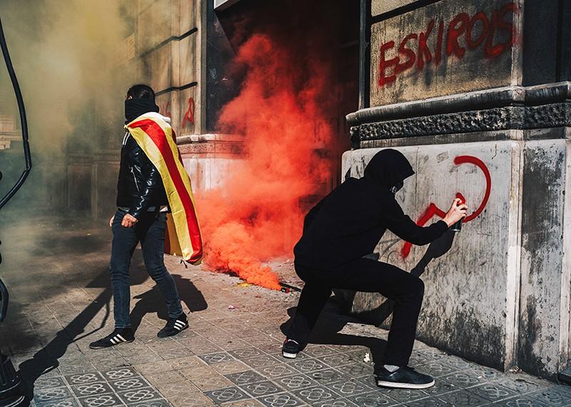Уличные беспорядки в Каталонии