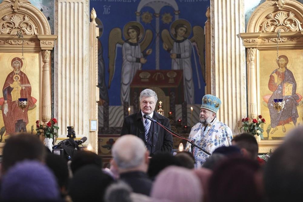 Пётр Порошенко Порошенко в храме