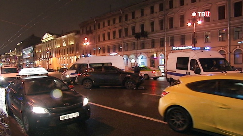 ДТП на Невском проспекте в Санкт-Петербурге
