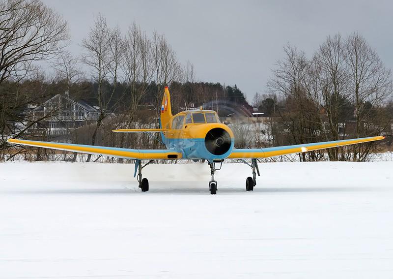 Легкий самолет Як-18