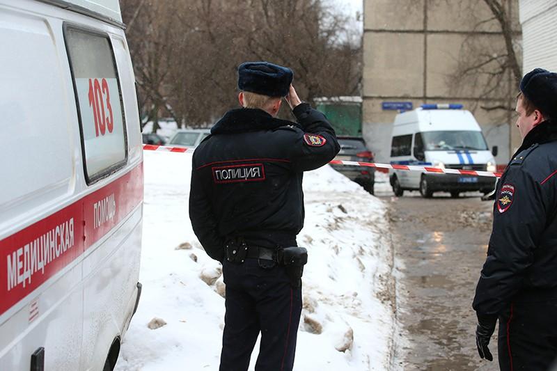 Полиция и скорая помощь на месте происшествия