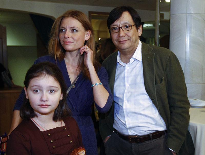 Егор Кончаловский с супругой Любовью Толкалиной и дочерью Марией. 2010 год
