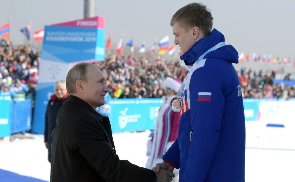Владимир Путин наградил российских спортсменов