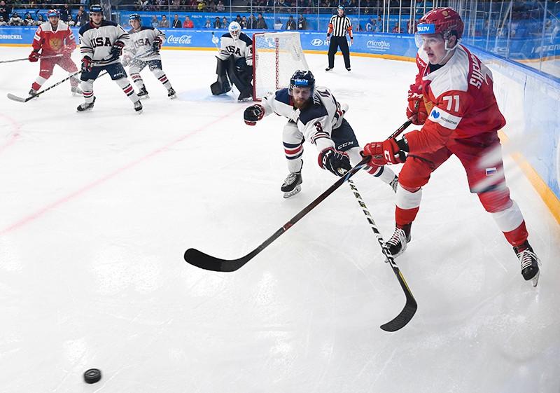 матче группового этапа соревнований по хоккею между студенческими сборными США и России на XIX Всемирной зимней Универсиаде-2019 в Красноярске