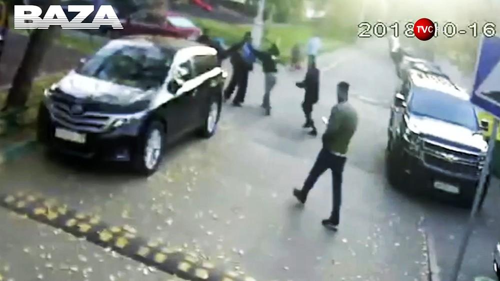 Видео нападения на родственников Дудя