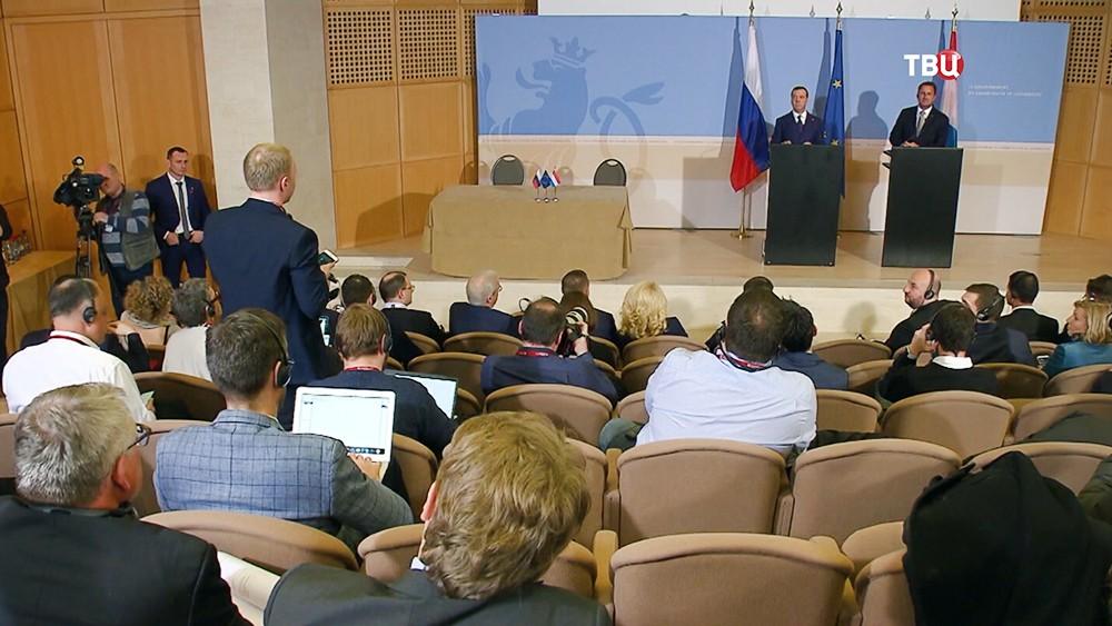 Дмитрий Медведев и премьер-министр Люксембурга Ксавье Беттель