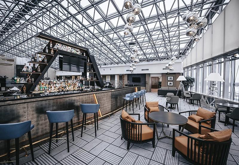 Кафе в холле отеля DoubleTree by Hilton Moscow – Vnukovo Airport