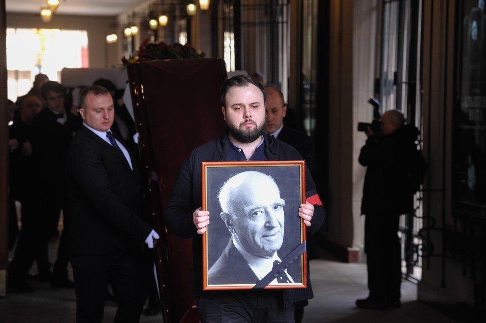 Церемония прощания с народным артистом СССР Владимиром Этушем