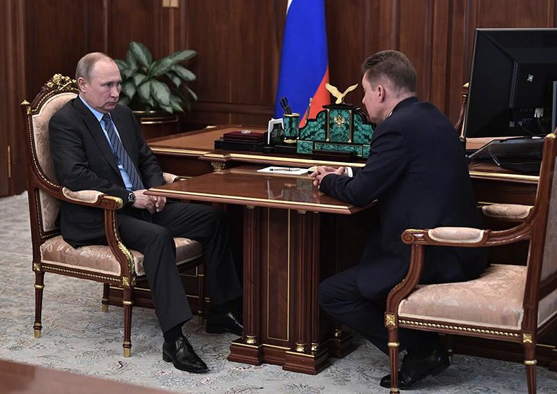 """Владимир Путин и председатель правления ПАО """"Газпром"""" Алексей Миллер"""