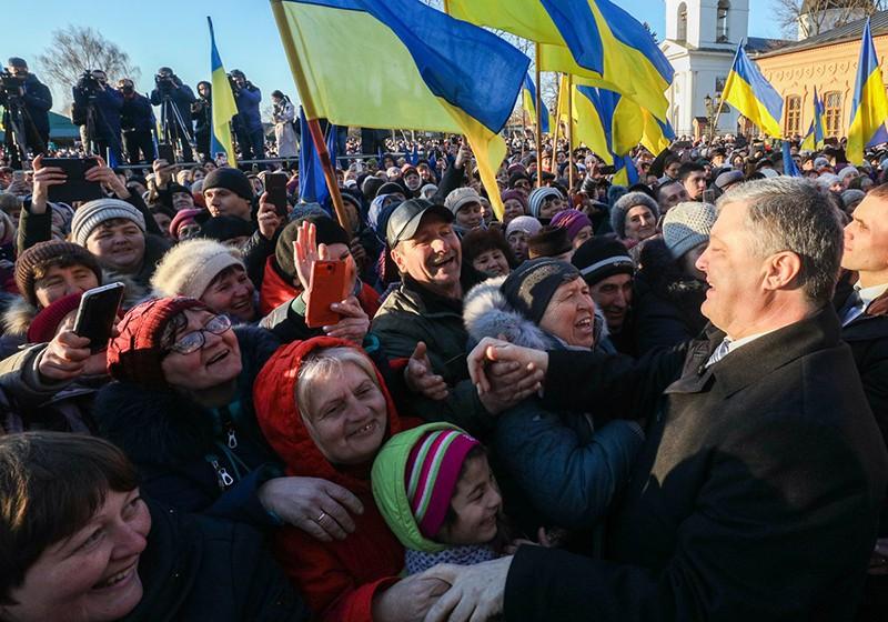 Петр Порошенко во время встречи с избирателями