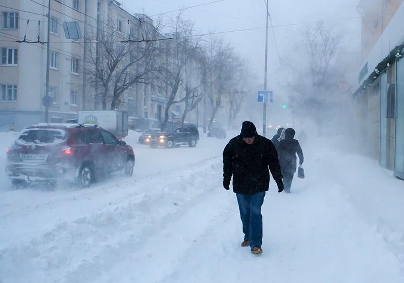 Сильная метель и снегопад