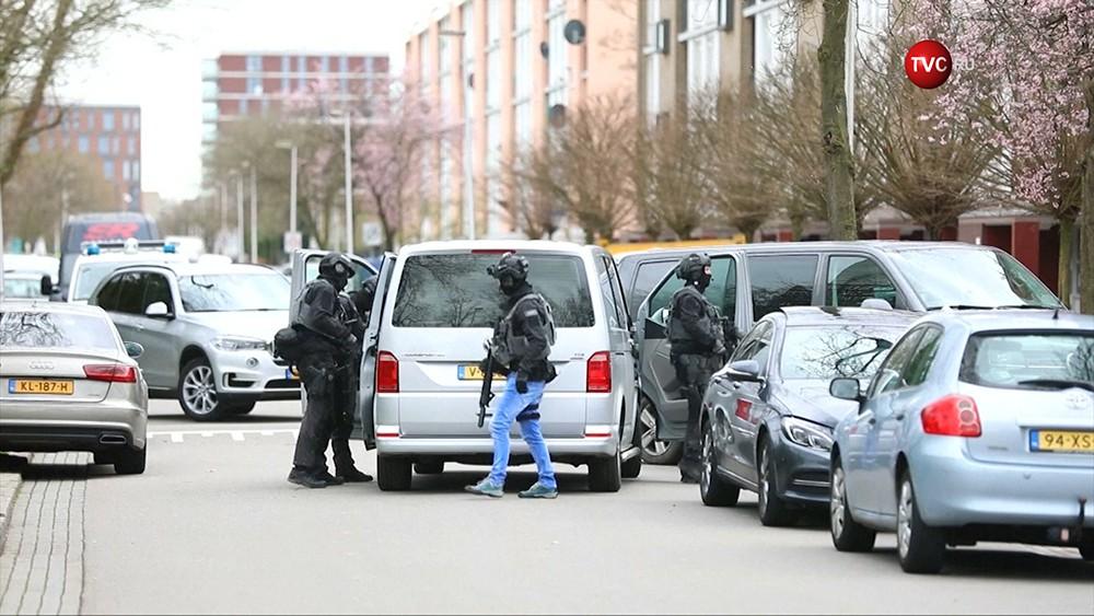 Полиция Нидерландов на месте происшествия