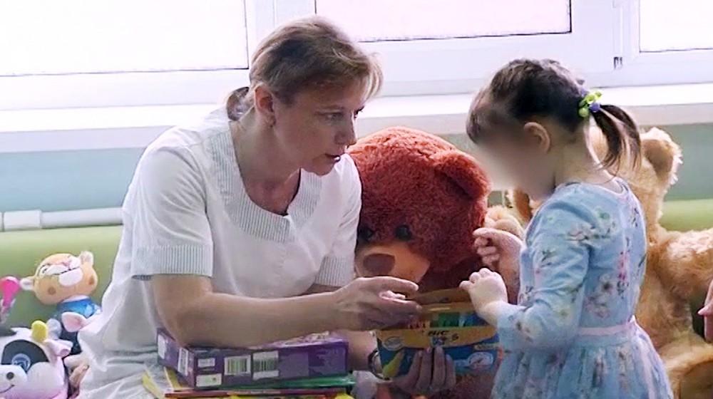Девочка, найденная в захламленной квартире на Ленинградском шоссе
