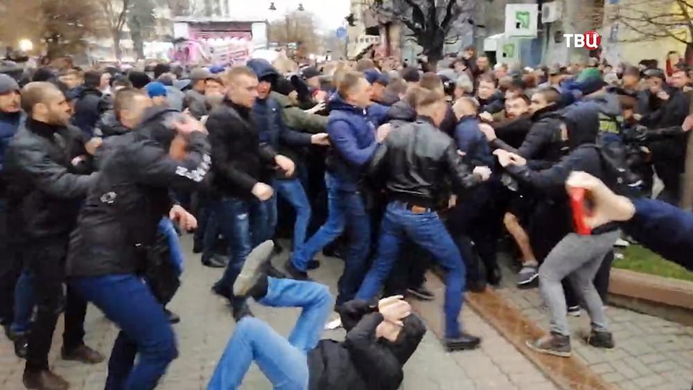Участники беспорядков на Украине