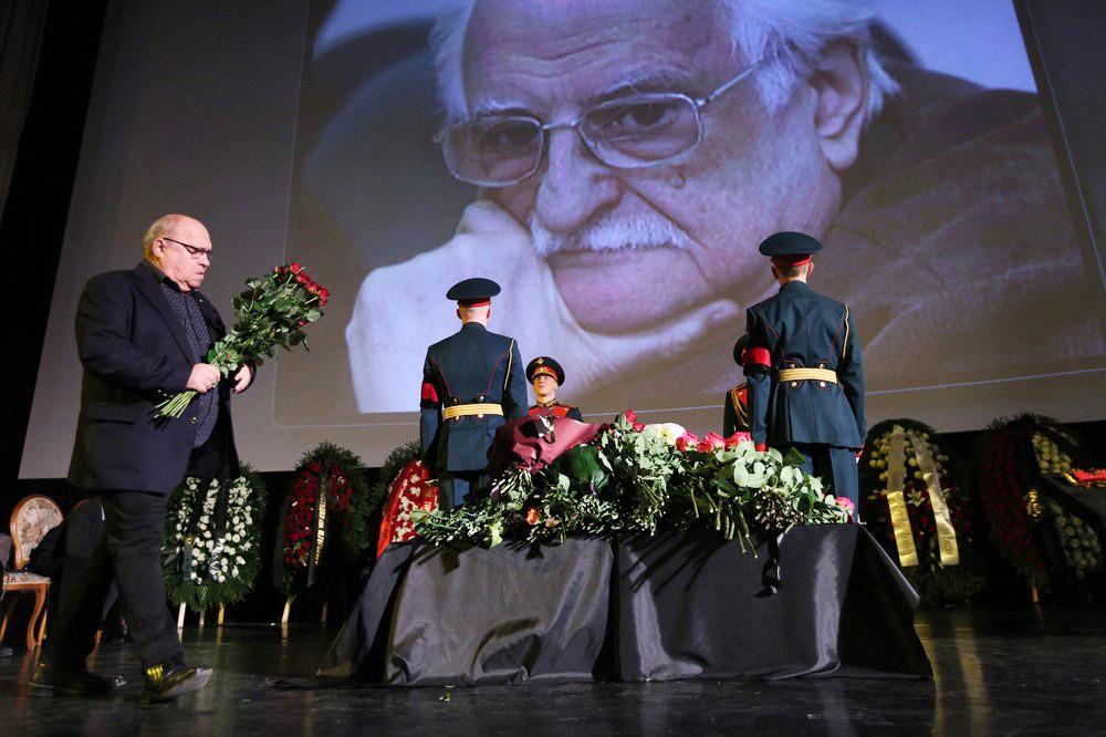 Прощание с народным артистом СССР Марленом Хуциевым в Доме кино
