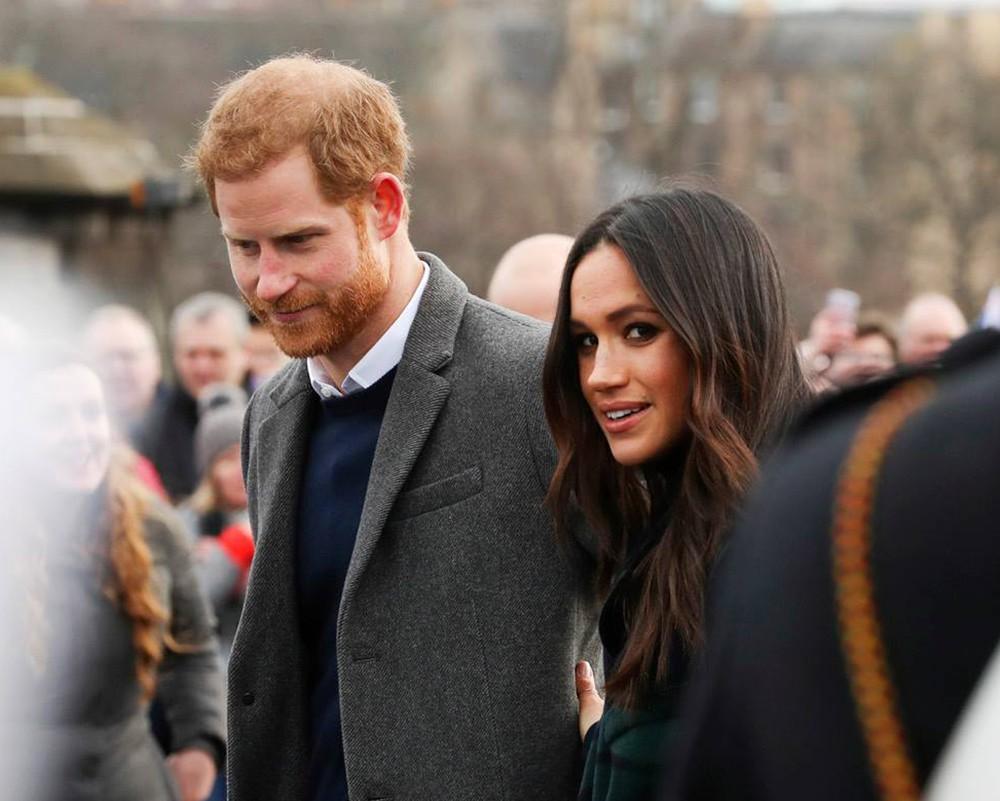 Принц Гарри и Меган Маркл подверглись новым нападкам в Британии :: Новости  :: ТВ Центр