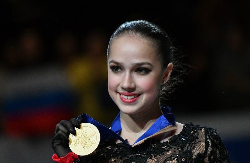 Золотой призер чемпионата мира по фигурному катанию Алина Загитова