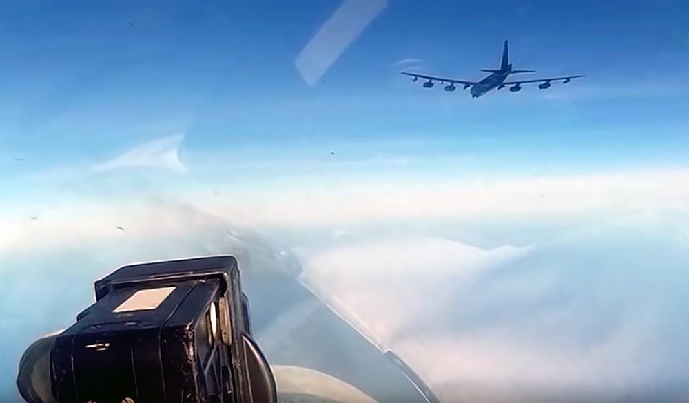 Перехват бомбардировщика ввс США Boeing B-52 Stratofortress