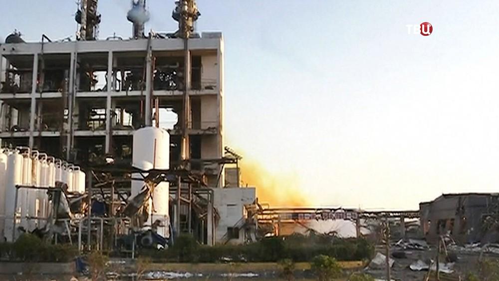 Последствия взрыва на заводе в Китае