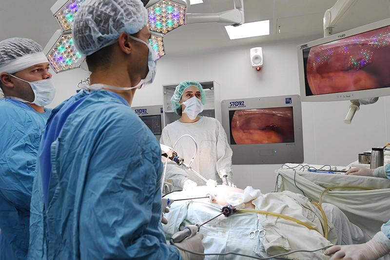 Медики во время операции. Медицинский университет им. И.М. Сеченова