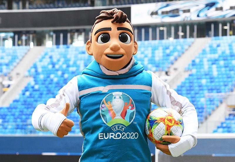 Официальный талисман чемпионата Европы по футболу 2020 мальчик Скиллзи