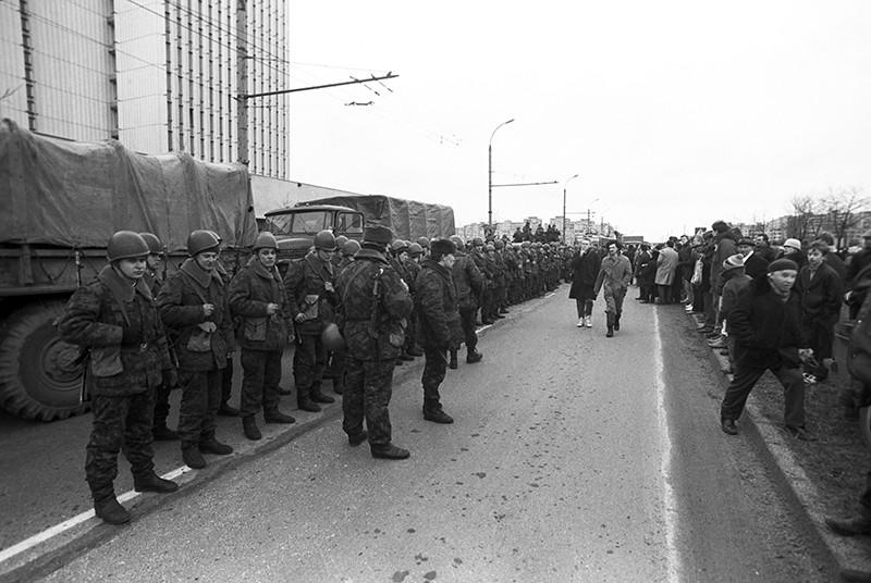 Десантники на улицах Вильнюса. 1991 год