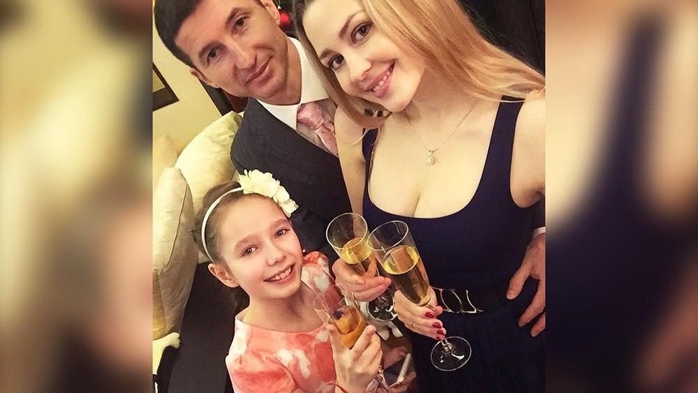 Евгений Алдонин с женой Ольгой и дочерью Верой Началовой