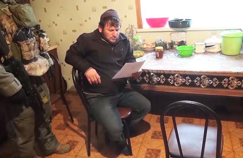 Член преступной группы, причастной к терактам в московском метро, во время задержания сотрудниками ФСБ