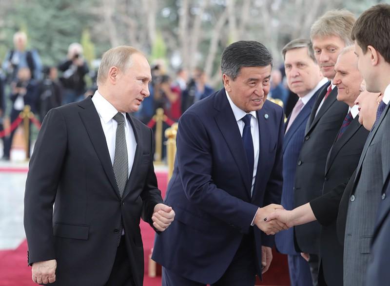 Владимир Путин и президент Киргизии Сооронбай Жээнбеков
