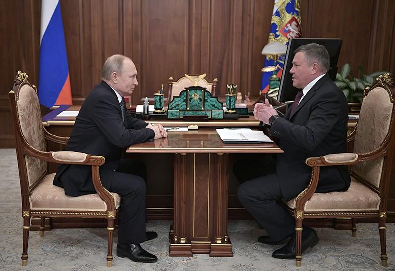 Президент РФ Владимир Путин и губернатор Вологодской области Олег Кувшинников