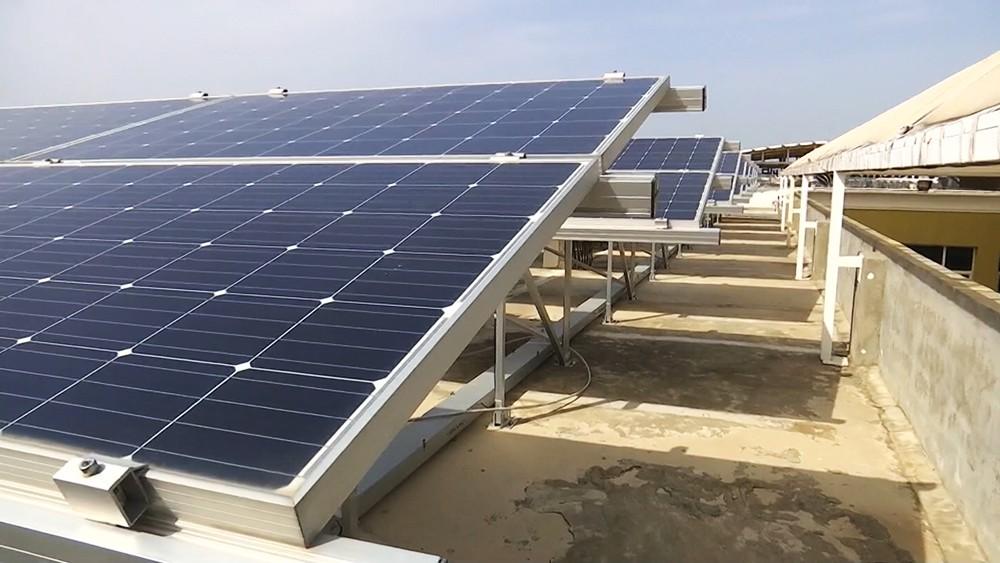 Солнечная батарея в Сирии