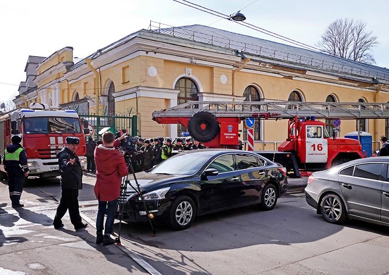 Ситуация у здания Военно-космической академии им. А.Ф. Можайского в Санкт-Петербурге, где произошел взрыв