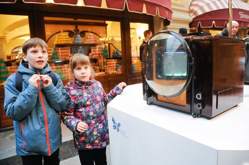 Выставка развития цифрового телевидения в ГУМе