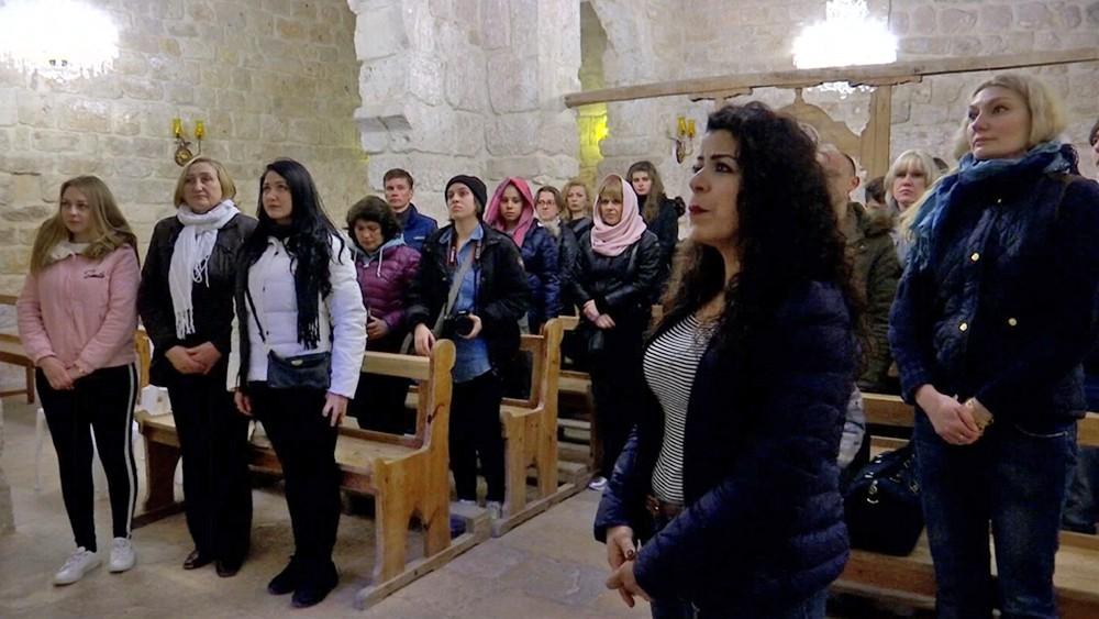 Служба в храме в Сирии
