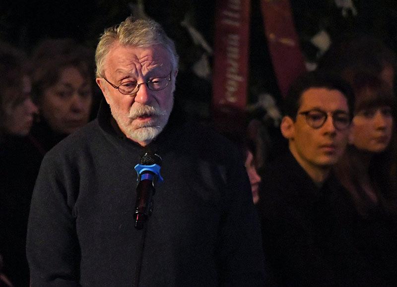 Фотограф Юрий Рост на церемонии прощания с режиссером Георгием Данелией