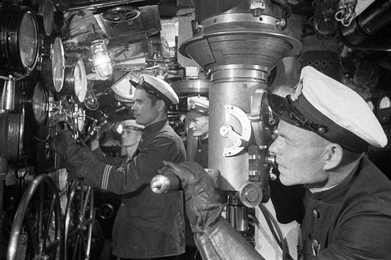 Подводники преследуют немецкие корабли у берегов Одессы