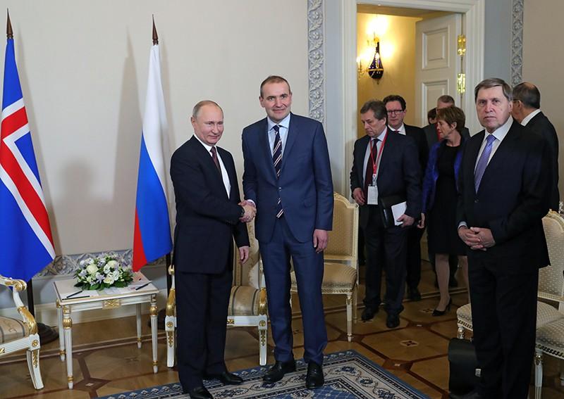 Президент России Владимир Путин и президент Республики Исландии Гудни Йоханнессон